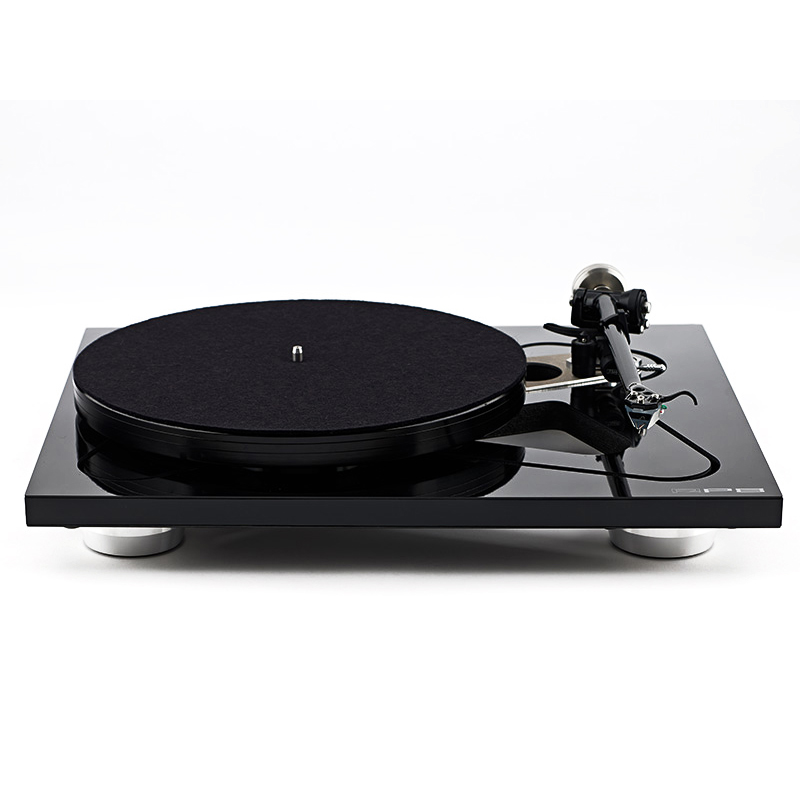 Rega RP8 Turntable Apheta 2 Cartridge Package